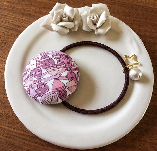 リバティ☆ Jenny's Ribbons くるみボタンヘアゴム いちごミルク