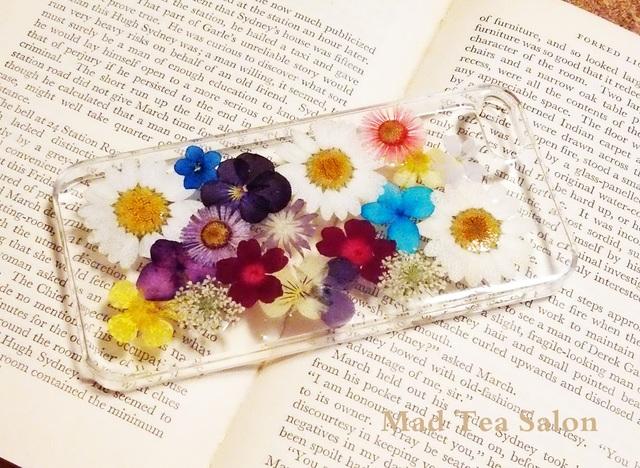 ノースポールと小花のiphone5.5sカバー