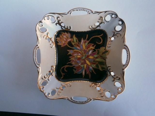 四方手つき透かし角皿