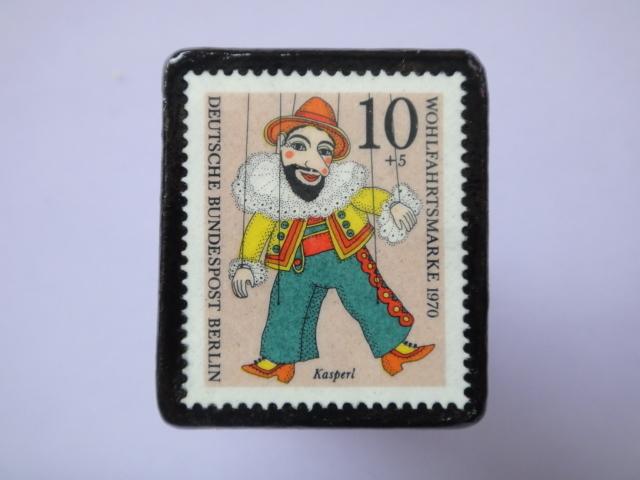 ドイツ 切手ブローチ764