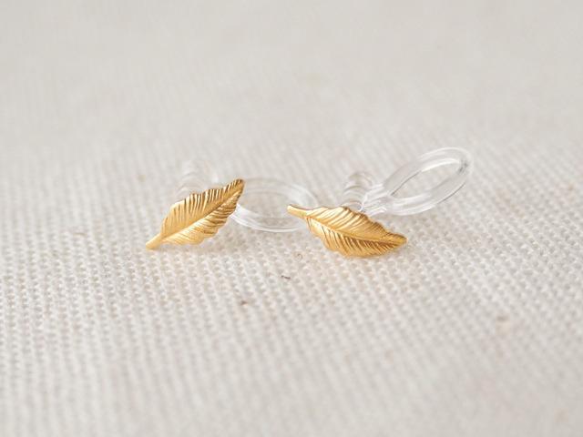 イヤリング 金の木の葉