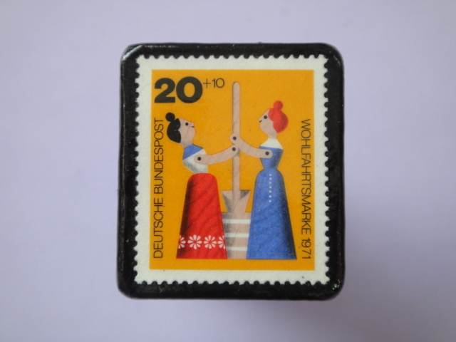 ドイツ 切手ブローチ772