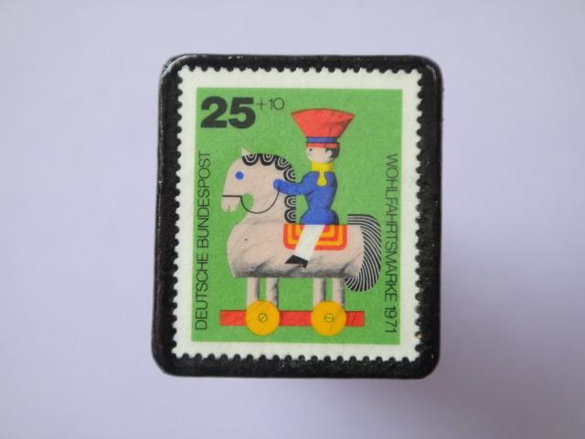 ドイツ 切手ブローチ773