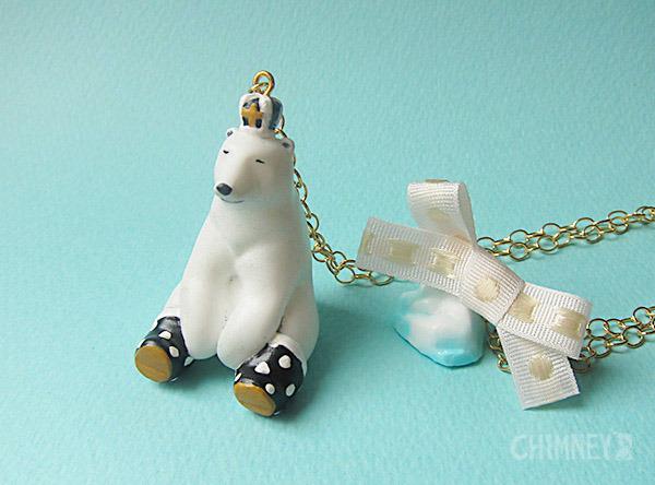 裸の王様 シロクマと氷山のネックレス [おすわり/black] box付