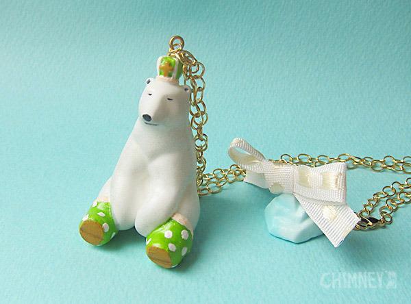 裸の王様 シロクマと氷山のネックレス [おすわり/green] box付