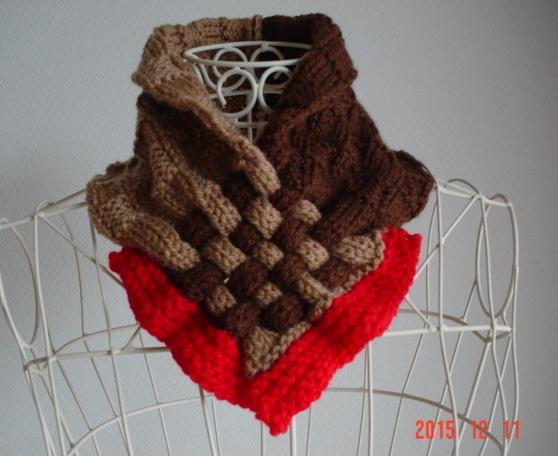 ☆彡市松模様編み&braid編みのCowl(ブラウン系の濃淡&さし色朱赤)