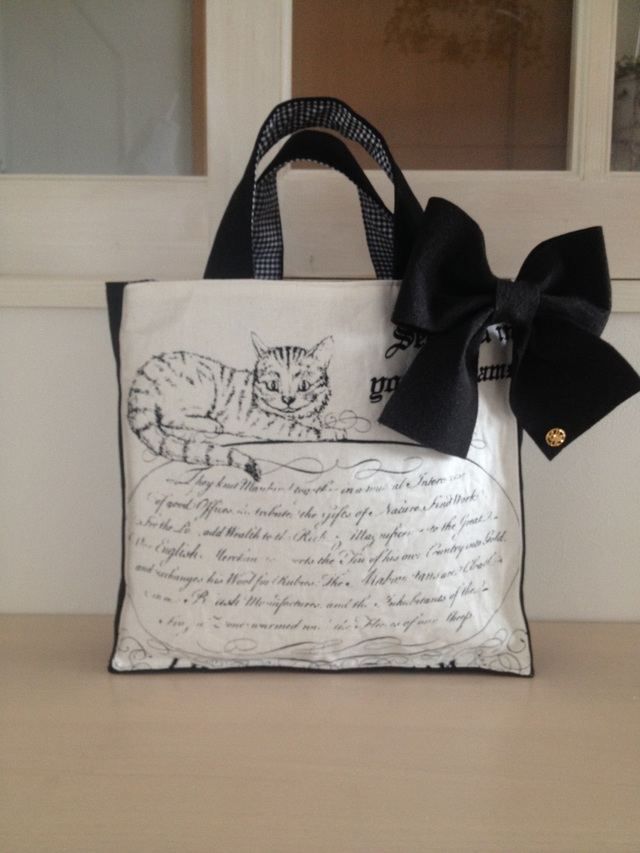 チェシャネコのバッグ