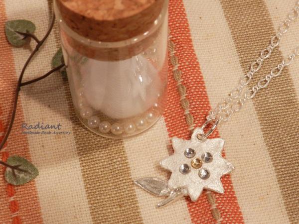 【送料無料】純銀の華の小瓶