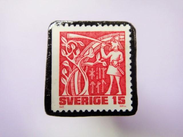 スウェーデン 童話切手ブローチ785
