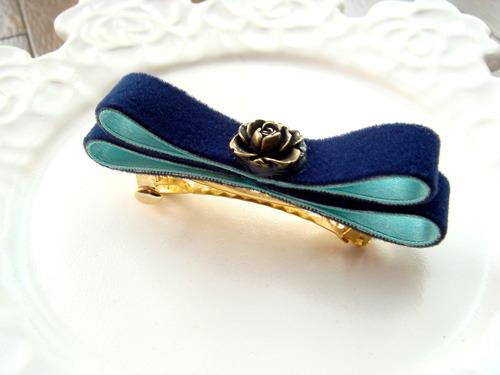 シンプル可愛いリボンの髪留め 紺×ペールブルー