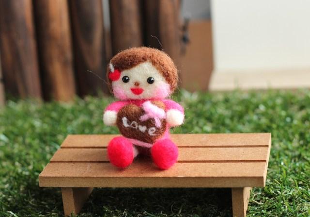 ♪再販♪バレンタイン 告白女の子 羊毛フェルト チョコ 2月の飾り物