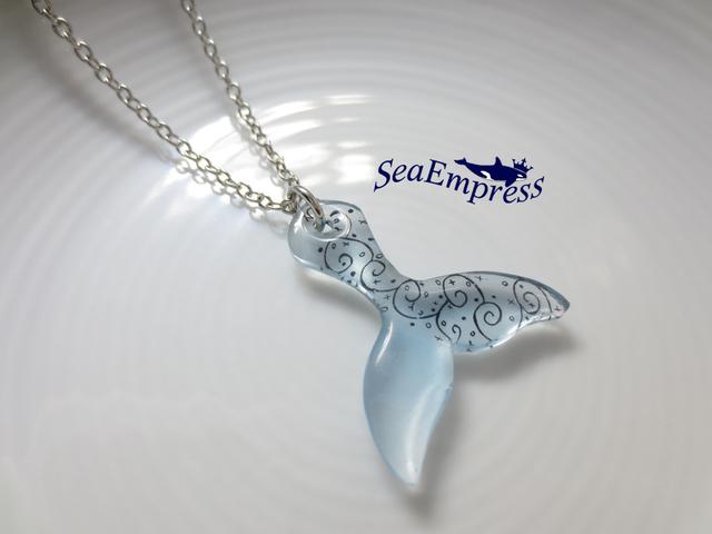 水色なクジラの尻尾*プラバンネックレスNo.1