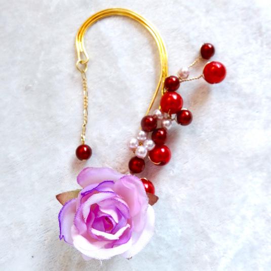薔薇咲き誇るパールのイヤーフック