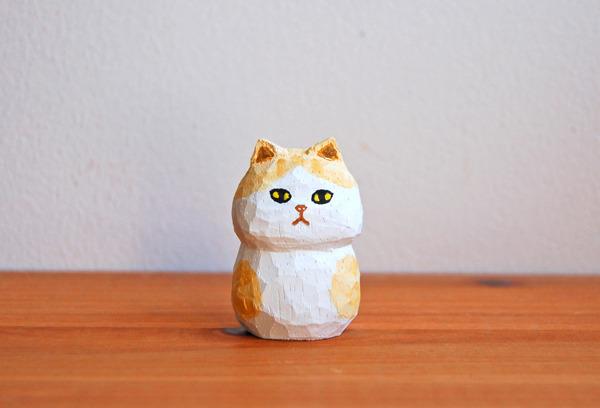 木彫り人形 ねこ 白×薄ベージュ  [MWF-046]