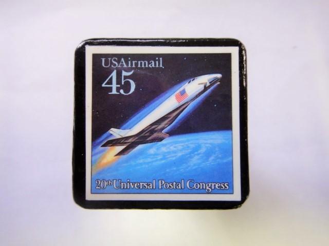 アメリカ 宇宙切手ブローチ 822