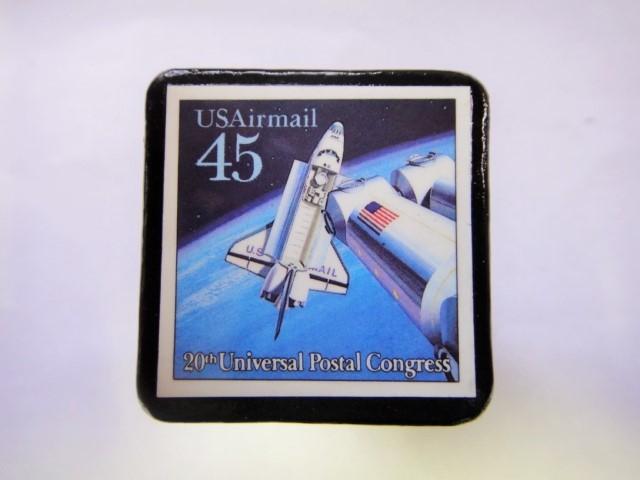 アメリカ 宇宙切手ブローチ 823