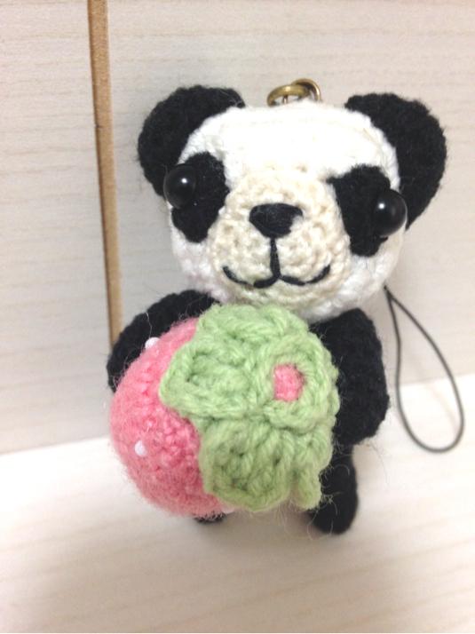 146 いちご抱っこ パンダちゃん ストラップ