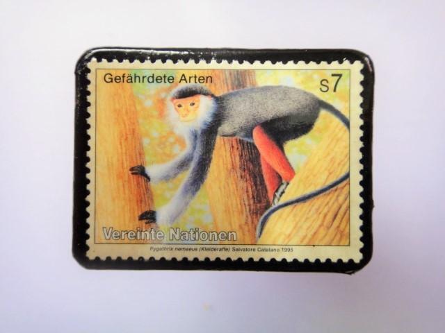 国連 野生保護 切手ブローチ 847