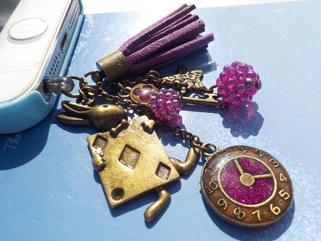 トランプうさぎと鍵の樹脂イヤホンジャック 紫