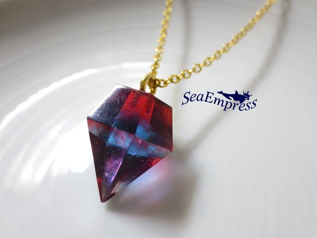 青と赤の魔法の宝石*レジンネックレスNo.4