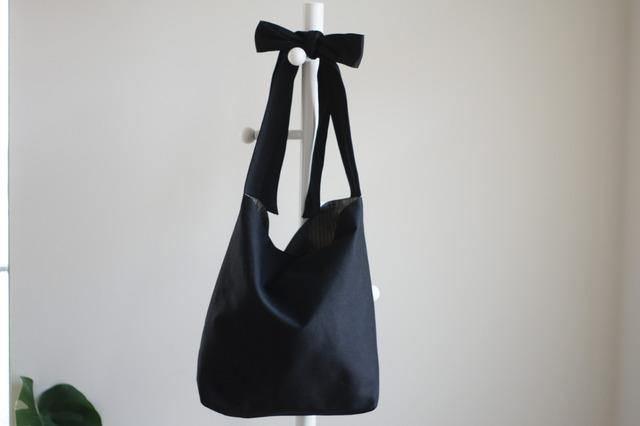 リボンのバッグ(ブラック)
