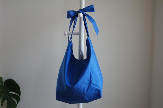 リボンのバッグ(ブルー)