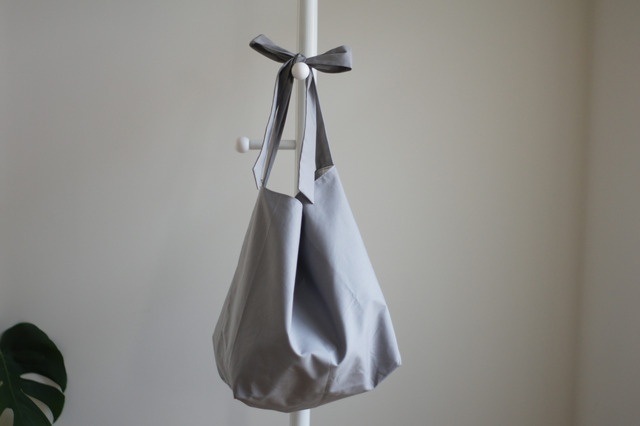 リボンのバッグ(グレー)