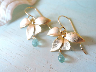 A Drop from Orchid Flower  14kgf     お花のピアス