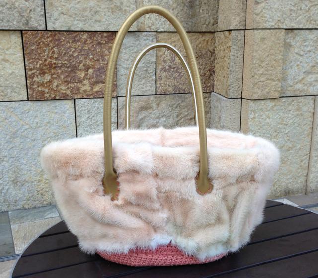 ピンクミンクのカゴトートバッグ