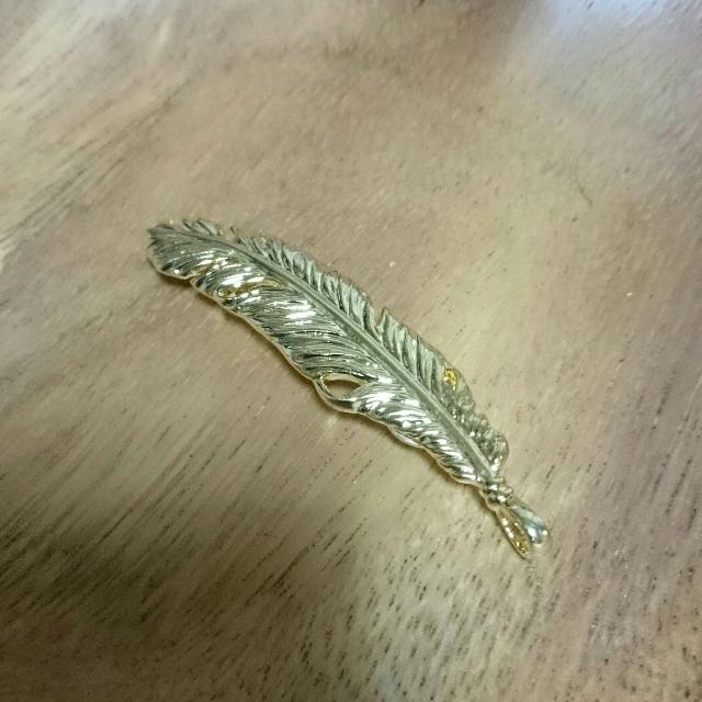ゴールドフェザーのヘアピン