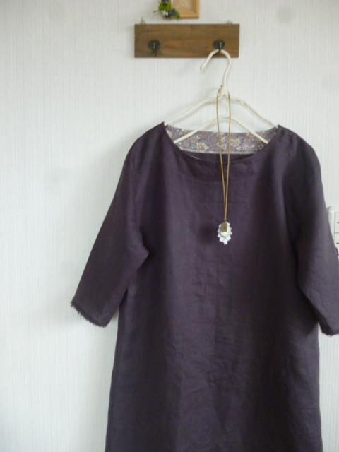 くったりリネンの肩落ちAラインワンピチャコール×YUWA薄紫