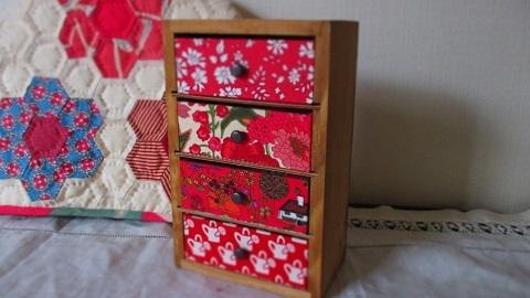 リバティ引き出し木製ミニキネット/赤ピンク系