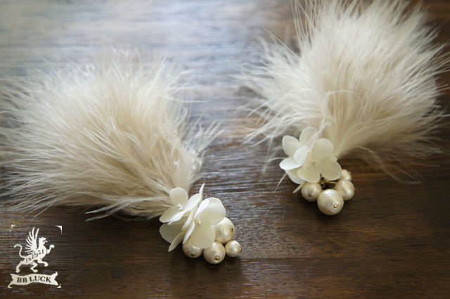 allongeさま order made * pierce 【 ちいさな紫陽花とコットンパールと羽のピアス 】