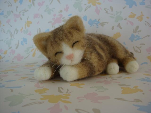 お昼寝ニャンコ 茶トラ猫
