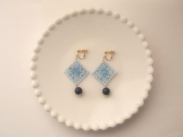 ハンカチーフのイヤリング(ブルー)