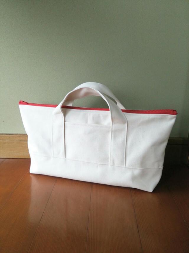赤ファスナー付き  帆布トートバッグ(ホワイト)
