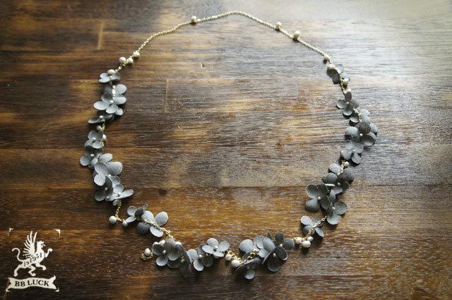 goron-77さま order made * necklace  【 ちいさな紫陽花と淡水パールのロングネックレス 】