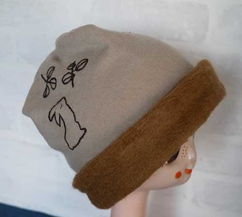 刺繍入りニット帽01(キャメル)
