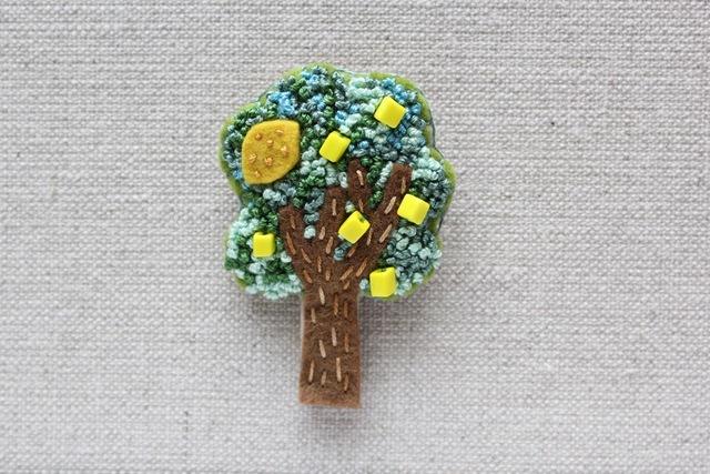木のブローチ 檸檬の木
