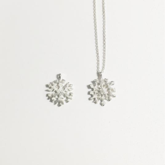 セール!雪の結晶ネックレス