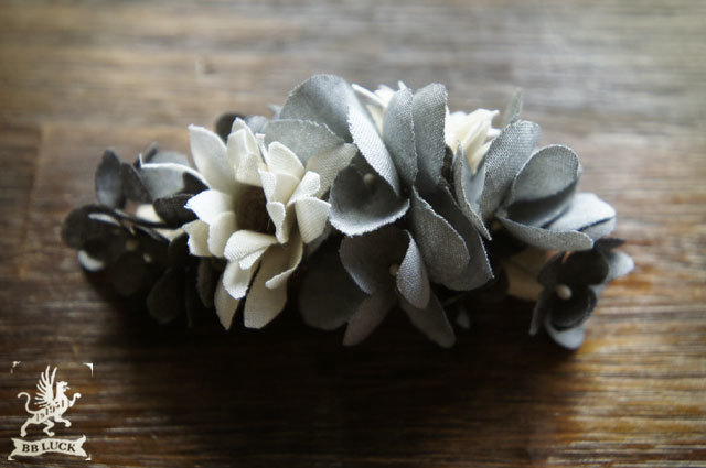 barrette  【 紫陽花とマーガレットのバレッタ * charcoal gray 】