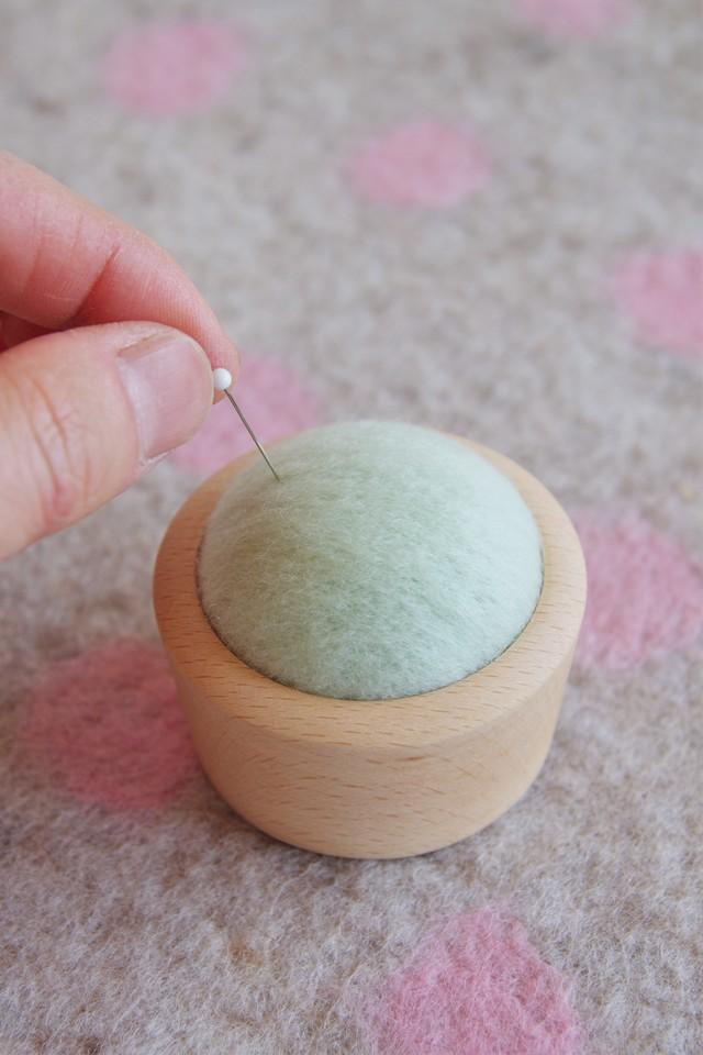 羊毛ピンクッション【針山】 はるいろグリーン