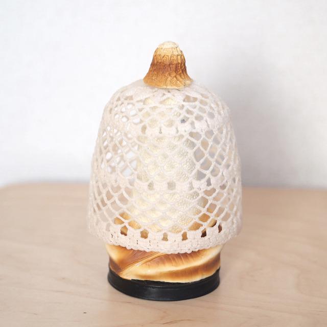 キヌガサダケのピアスホルダー<ライトベージュ>