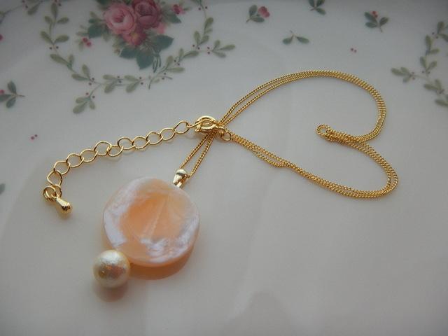 白桃色 ネックレス