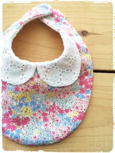 【再販です】かわいいスタイ *サークルレース衿×水彩画風小花柄* ピンク