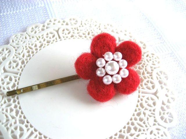 ふんわり紅梅の羊毛ヘアピン_467