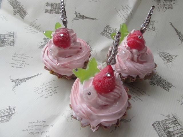 三個セット ピンク・ホイップ・デコ・カップケーキの メモスタンド スイーツデコ