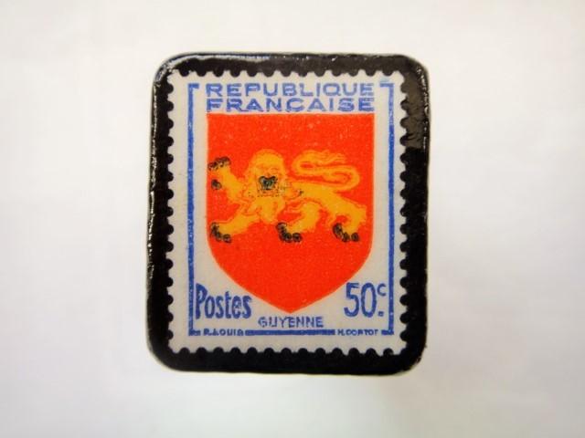 フランス1949年「紋章」切手ブローチ893