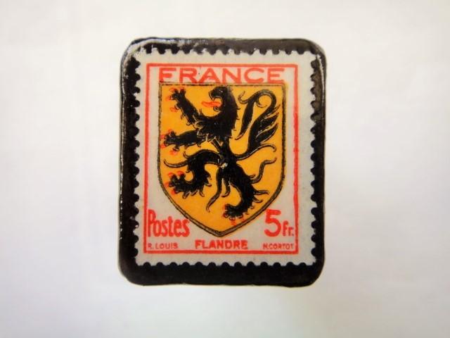 フランス1944年「紋章」切手ブローチ898