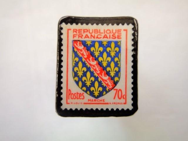 フランス1955年「紋章」切手ブローチ899